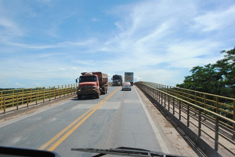 Demanda por transporte de cargas no Brasil supera níveis de março